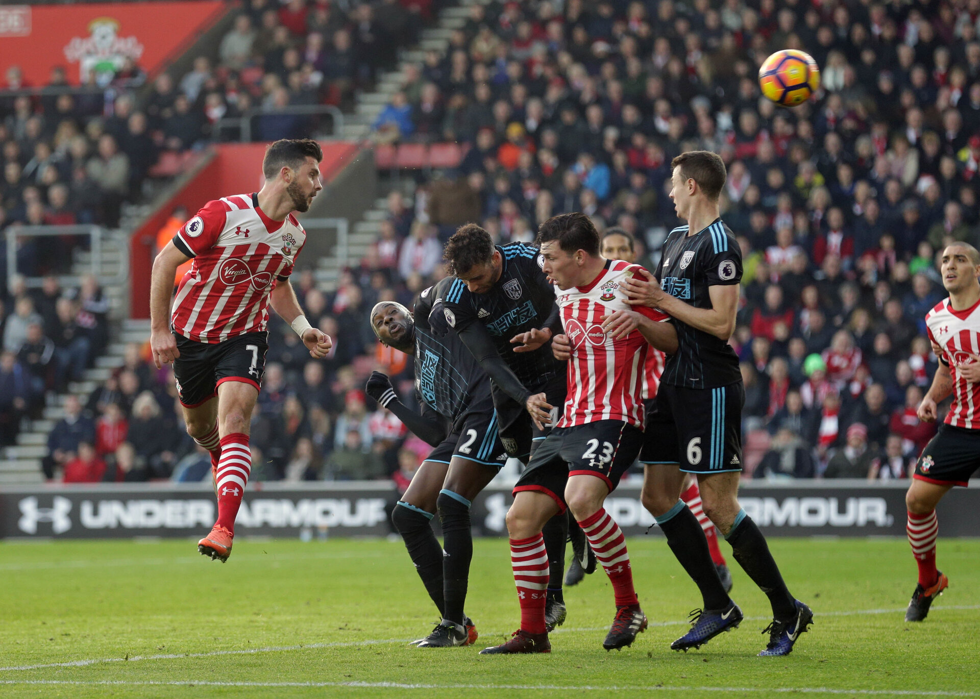 Shane Long (Southampton) makes it 1-0 during the Premier League match between Southampton and West Bromwich Albion at St Mary's Stadium, Southampton, England on 31 December 2016.