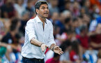 MADRID, SPAIN - AUGUST 21: Head coach  Mauricio Pellegrino of Deportivo Alaves gives instructions during the La Liga match between Club Atletico de Madrid and Deportivo Alaves at Vicente Calderon stadium on August 21, 2016 in Madrid, Spain. (Photo by Gonzalo Arroyo Moreno/Getty Images)