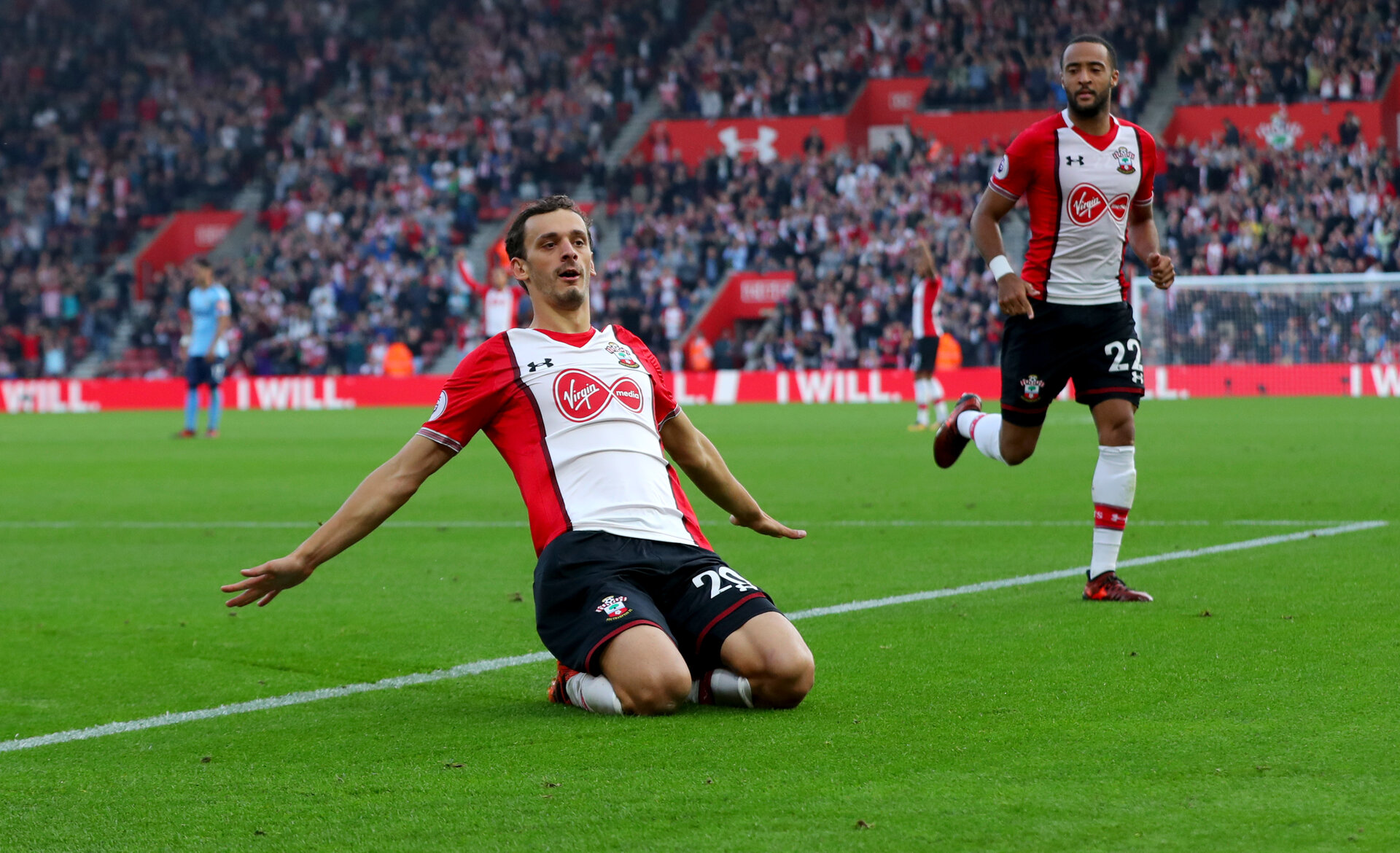 SOUTHAMPTON, ENGLAND - OCTOBER 15: Manolo Gabbiaidni celebrates during the Premier League match between Southampton and Newcastle United at St Mary's Stadium on October 15, 2017 in Southampton, England. (Photo by Matt Watson/Southampton FC via Getty Images)