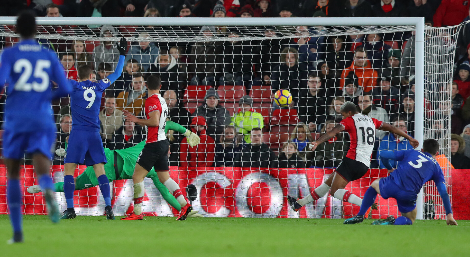 SOUTHAMPTON, ENGLAND - DECEMBER 13: Southampton's Mario Lemina clears off the line during the Premier League match between Southampton and Leicester City at St Mary's Stadium on December 13, 2017 in Southampton, England. (Photo by Matt Watson/Southampton FC via Getty Images)