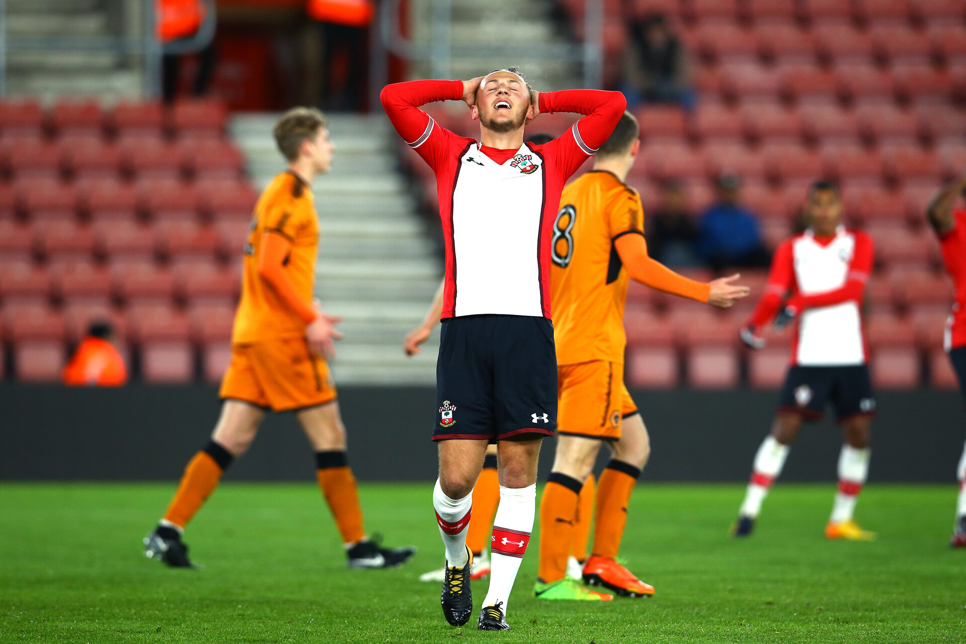 SOUTHAMPTON, ENGLAND - DECEMBER 14: Harry Hamblin (middle) of Southampton FC during the match between Southampton FC vs Wolverhampton Wanders for the FA U18's Youth Cup on December 14, 2017 in Southampton, England. (Photo by James Bridle - Southampton FC/Southampton FC via Getty Images)