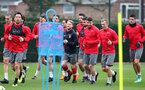 SOUTHAMPTON, ENGLAND - APRIL 12: players warm up during a Southampton FC training session at the Staplewood Campus on April 12, 2018 in Southampton, England. (Photo by Matt Watson/Southampton FC via Getty Images)