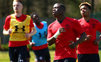 SOUTHAMPTON, ENGLAND - APRIL 18: Michael Obafemi (right) ahead of the U18 Premier League match between Southampton FC and Arsenal FC at Staplewood Complex on April 17, 2018 in Southampton, England. (Photo by James Bridle - Southampton FC/Southampton FC via Getty Images)