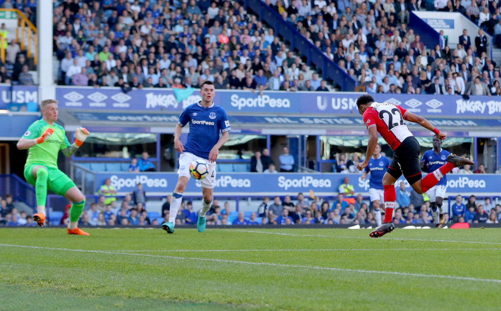 LIVERPOOL, ENGLAND - MAY 05: Nathan Redmond of Southampton heads his team into the lead during the Premier League match between Everton and Southampton at Goodison Park on May 5, 2018 in Liverpool, England. (Photo by Matt Watson/Southampton FC via Getty Images)