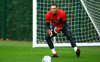 SOUTHAMPTON, ENGLAND - AUGUST 16: Alex McCarthy during a Southampton FC training session at Staplewood Complex on August 16, 2018 in Southampton, England. (Photo by James Bridle - Southampton FC/Southampton FC via Getty Images)