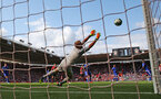 SOUTHAMPTON, ENGLAND - AUGUST 25: Ryan Bertrand's strike sails past Kasper Schmeichel of Leicester during the Premier League match between Southampton FC and Leicester City at St Mary's Stadium on August 25, 2018 in Southampton, United Kingdom. (Photo by Matt Watson/Southampton FC via Getty Images)