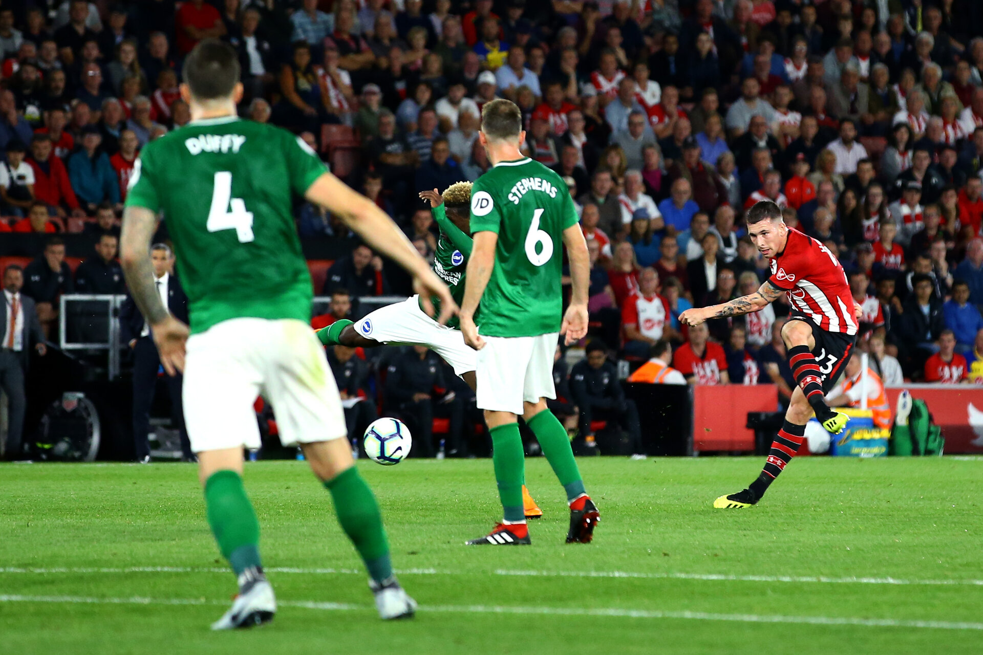 SOUTHAMPTON, ENGLAND - SEPTEMBER 17: Pierre-Emile H¿jbjerg (right) of Southampton FC  scores during the Premier League match between Southampton FC and Brighton & Hove Albion at St Mary's Stadium on September 17, 2018 in Southampton, United Kingdom. (Photo by James Bridle - Southampton FC/Southampton FC via Getty Images) SOUTHAMPTON, ENGLAND - SEPTEMBER 17: Pierre-Emile Højbjerg (right) of Southampton FC  scores during the Premier League match between Southampton FC and Brighton & Hove Albion at St Mary's Stadium on September 17, 2018 in Southampton, United Kingdom. (Photo by James Bridle - Southampton FC/Southampton FC via Getty Images)