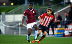 SOUTHAMPTON, ENGLAND - SEPTEMBER 21: Jake Vokins (right) during the PL2 match between Southampton FC and Aston Villa FC at Staplewood Training Ground on September 21, 2018 in Southampton, United Kingdom. (Photo by James Bridle - Southampton FC/Southampton FC via Getty Images)