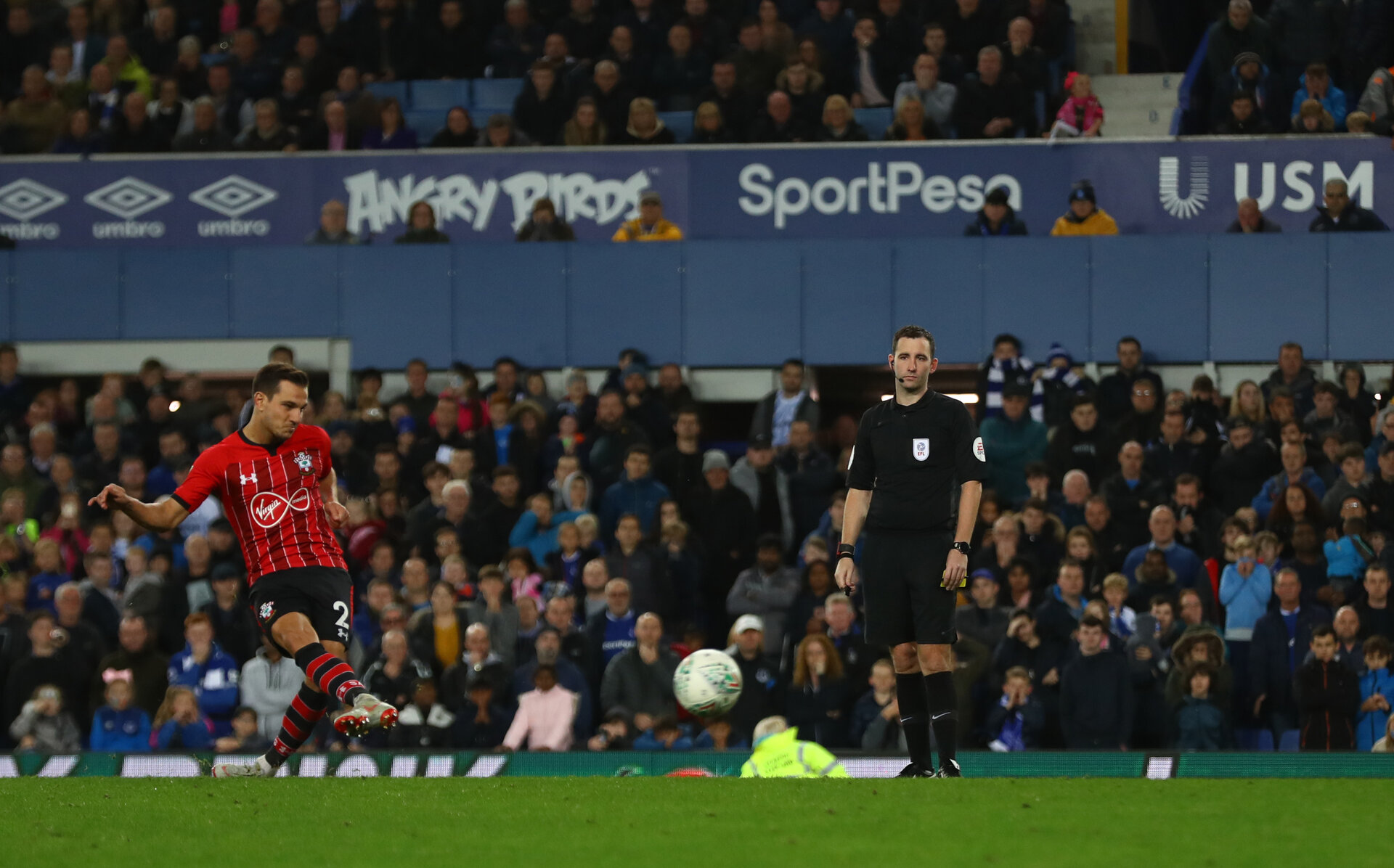 LIVERPOOL, ENGLAND - OCTOBER 02: Cedric of Southampton scores the winning penalty during the Carabao Cup Third Round match between Everton and Southampton at Goodison Park on October 2nd, 2018 in Liverpool, England. (Photo by Matt Watson/Southampton FC via Getty Images)
