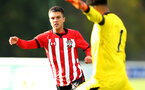 READING, ENGLAND - NOVEMBER 03: Sean Brennan (left) during the under 18s Premier league match between Reading FC and Southampton FC, 2018 in Reading, England. (Photo by James Bridle - Southampton FC/Southampton FC via Getty Images)