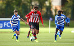 READING, ENGLAND - NOVEMBER 03: Bennie Smales-Braithwait (middle) during the under 18s Premier league match between Reading FC and Southampton FC, 2018 in Reading, England. (Photo by James Bridle - Southampton FC/Southampton FC via Getty Images)
