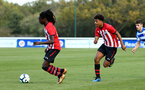 READING, ENGLAND - NOVEMBER 03: Taymar Fleary (left) Kaleb Watts (right) during the under 18s Premier league match between Reading FC and Southampton FC, 2018 in Reading, England. (Photo by James Bridle - Southampton FC/Southampton FC via Getty Images)