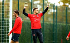 SOUTHAMPTON, ENGLAND - NOVEMBER 06: Alex McCarthy (middle) during a Southampton FC training session at Staplewood Complex on November 6, 2018 in Southampton, England. (Photo by James Bridle - Southampton FC/Southampton FC via Getty Images)