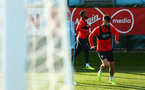 SOUTHAMPTON, ENGLAND - NOVEMBER 13: Charlie Austin (right) during a Southampton FC training session at Staplewood Complex on November 13, 2018 in Southampton, England. (Photo by James Bridle - Southampton FC/Southampton FC via Getty Images)