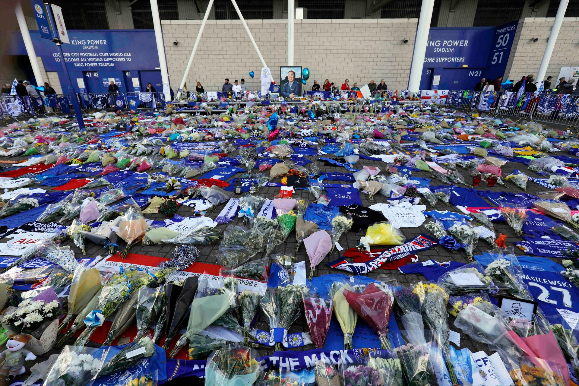 LEICESTER, ENGLAND - NOVEMBER 03: A general view of floral tributes to Leicester City chairman Vichai Srivaddhanaprabhaat at the King Power Stadium in Leicester, on November 3, 2018 in Leicester,, England (Photo by Malcolm Couzens/Getty Images)