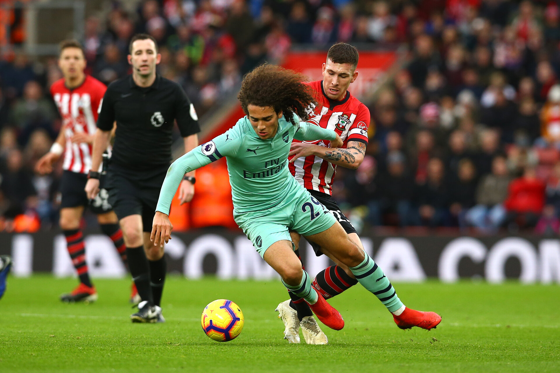 SOUTHAMPTON, ENGLAND - DECEMBER 16: Pierre-Emile Højbjerg (right) during the Premier League match between Southampton FC and Arsenal FC at St Mary's Stadium on December 16, 2018 in Southampton, United Kingdom. (Photo by James Bridle - Southampton FC/Southampton FC via Getty Images)