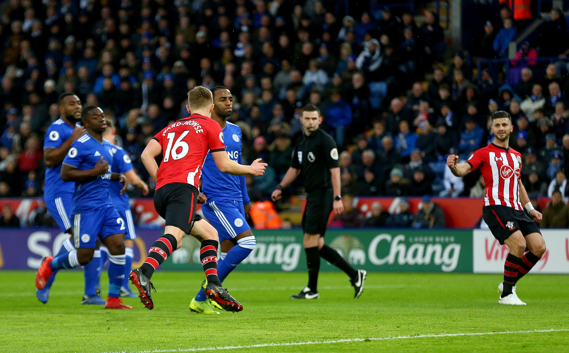 LEICESTER, ENGLAND - JANUARY 12: James Ward-Prowse of Southampton celebrates after converting from the penalty spot  during the Premier League match between Leicester City and Southampton FC at The King Power Stadium on January 12, 2019 in Leicester, United Kingdom. (Photo by Matt Watson/Southampton FC via Getty Images)