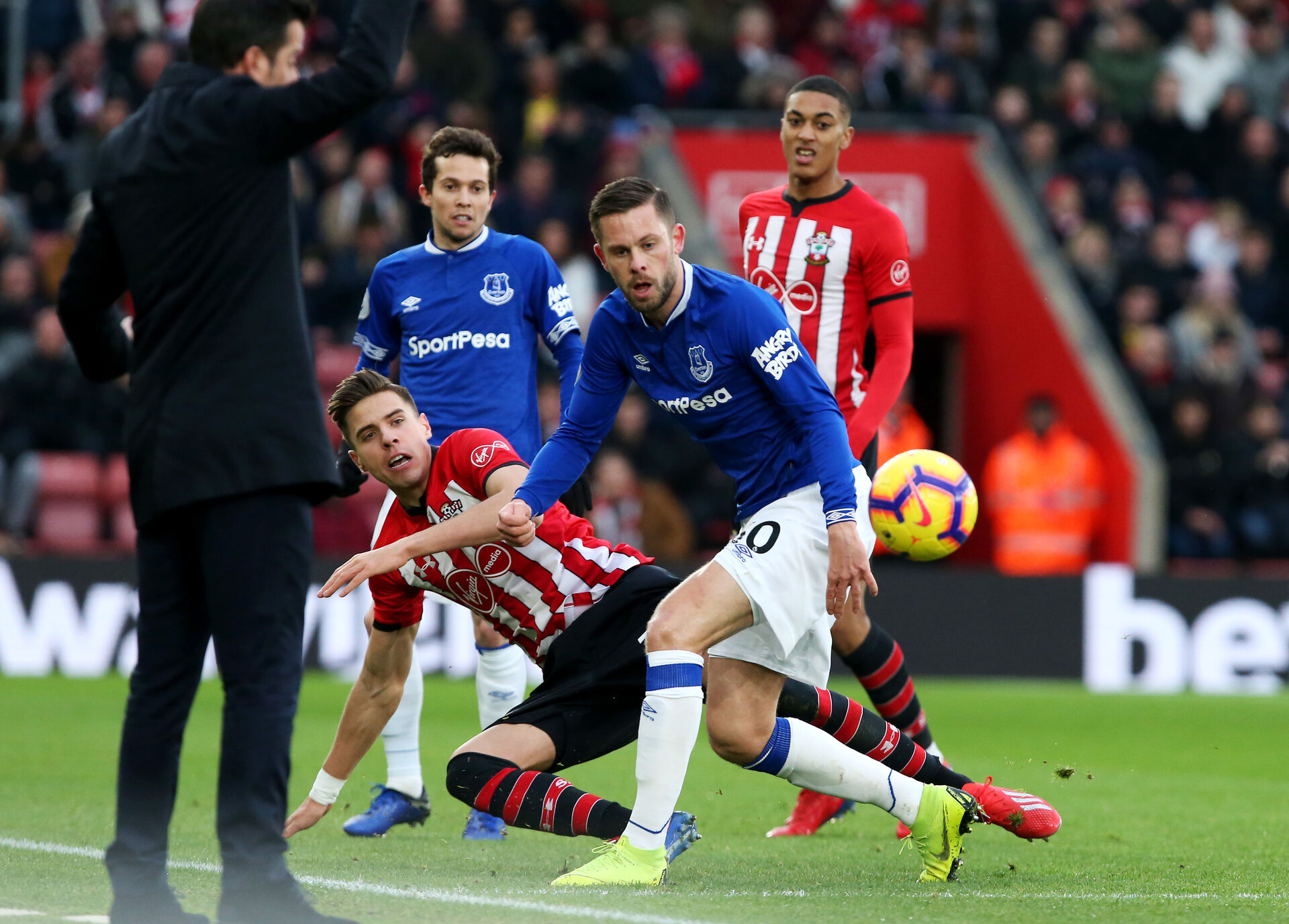 SOUTHAMPTON, ENGLAND - JANUARY 19: Jan Bednarek during the Premier League match between Southampton FC and Everton FC at St Mary's Stadium on January 19, 2019 in Southampton, United Kingdom. (Photo by Chris Moorhouse/Southampton FC via Getty Images)