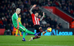 SOUTHAMPTON, ENGLAND - JANUARY 30: Danny Ings(R) of Southampton challenges Vicente Guaita of Crystal Palace during the Premier League match between Southampton FC and Crystal Palace at St Mary's Stadium on January 30, 2019 in Southampton, United Kingdom. (Photo by Matt Watson/Southampton FC via Getty Images)
