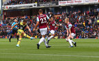 BURNLEY, ENGLAND - AUGUST 10: Ché Adams of Southampton shoots at goal during the Premier League match between Burnley FC and Southampton FC at Turf Moor on August 10, 2019 in Burnley, United Kingdom. (Photo by Matt Watson/Southampton FC via Getty Images)