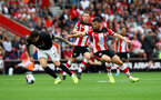 SOUTHAMPTON, ENGLAND - AUGUST 31: Victor Lindelof(L) of Manchester United and Shane Long of Southampton during the Premier League match between Southampton FC and Manchester United at St Mary's Stadium on August 31, 2019 in Southampton, United Kingdom. (Photo by Matt Watson/Southampton FC via Getty Images)