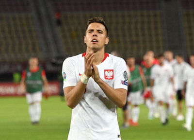 Bednarek's Poland edged out by Netherlands
