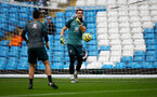 MANCHESTER, ENGLAND - NOVEMBER 02: Alex McCarthy of Southampton warms up during the Premier League match between Manchester City and Southampton FC at Etihad Stadium on November 02, 2019 in Manchester, United Kingdom. (Photo by Matt Watson/Southampton FC via Getty Images)