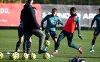 SOUTHAMPTON, ENGLAND - NOVEMBER 12: Jake Vokins(centre) during a Southampton FC training session at the Staplewood Campus on November 12, 2019 in Southampton, England. (Photo by Matt Watson/Southampton FC via Getty Images)