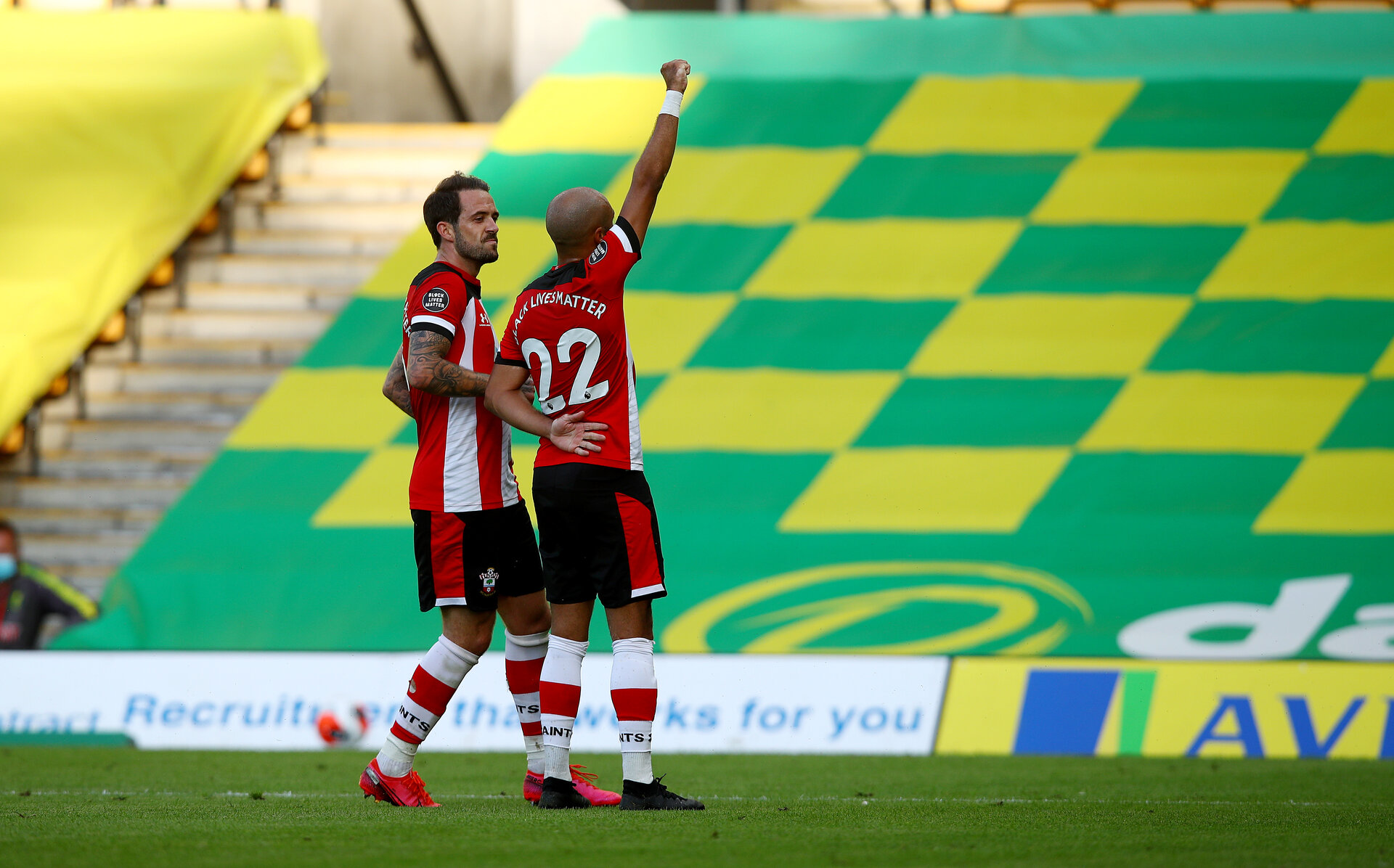 NORWICH, ENGLAND - JUNE 19: Nathan Redmond(R) of Southampton celebrates his goal with Danny Ings(L) during the Premier League match between Norwich City and Southampton FC at Carrow Road on June 19, 2020 in Norwich, United Kingdom. (Photo by Matt Watson/Southampton FC via Getty Images)