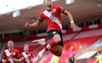 SOUTHAMPTON, ENGLAND - JULY 26: Ché Adams goal celebration for second goal during the Premier League match between Southampton FC and Sheffield United at St Mary's Stadium on April 17, 2020 in Southampton, United Kingdom. (Photo by Chris Moorhouse/Southampton FC via Getty Images)
