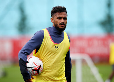 Boufal completes Angers move