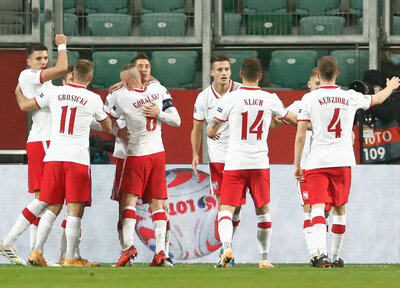 Bednarek's Poland move top of Nations League group