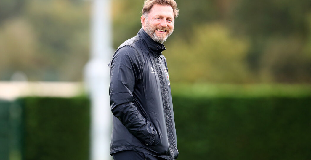 SOUTHAMPTON, ENGLAND - OCTOBER 23: Ralph Hasenhüttl during a Southampton FC training session at the Staplewood Campus on October 23, 2020 in Southampton, England. (Photo by Matt Watson/Southampton FC via Getty Images)
