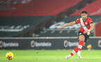 SOUTHAMPTON, ENGLAND - JANUARY 26: Ché Adams of Southampton during the Premier League match between Southampton and Arsenal at St Mary's Stadium on January 26, 2021 in Southampton, England. Sporting stadiums around the UK remain under strict restrictions due to the Coronavirus Pandemic as Government social distancing laws prohibit fans inside venues resulting in games being played behind closed doors. (Photo by Matt Watson/Southampton FC via Getty Images)