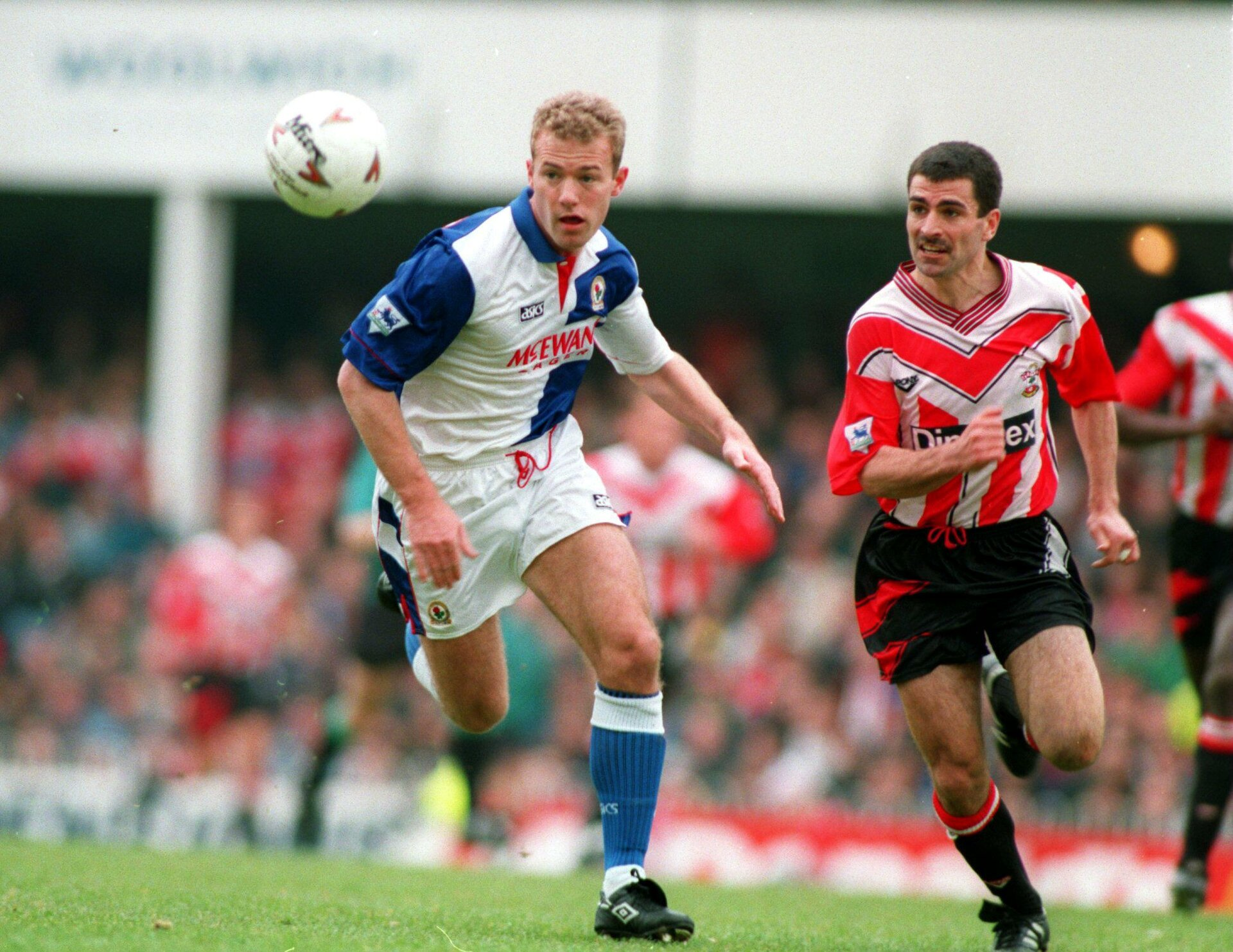 16  APRIL 1994: ALAN SHEARER ATTACKING FOR BLACKBURN AS FRANCIS BENALI LOOKS ON DURING THE SOUTHAMPTON V BLACKBURN ROVERS FA PREMIER LEAGUE MATCH AT THE DELL. SOUTHAMPTON WON THE MATCH 3-1. Mandatory Credit: Chris Cole/ALLSPORT