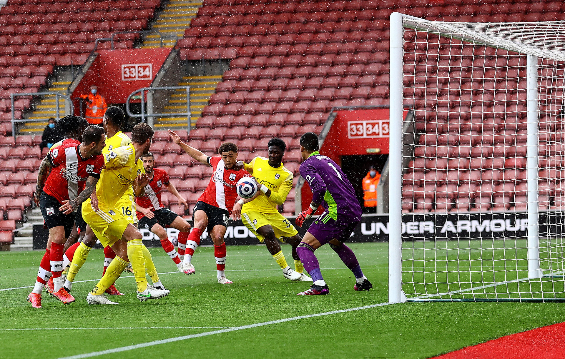 SOUTHAMPTON, ENGLAND - MAY 15: Che Adams(centre) of Southampton opens the scoring during the Premier League match between Southampton and Fulham at St Mary's Stadium on May 15, 2021 in Southampton, England. Sporting stadiums around the UK remain under strict restrictions due to the Coronavirus Pandemic as Government social distancing laws prohibit fans inside venues resulting in games being played behind closed doors.  (Photo by Matt Watson/Southampton FC via Getty Images)