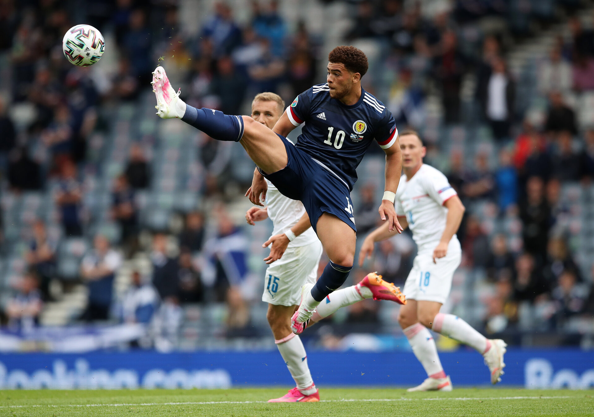 GLASGOW, SCOTLAND - JUNE 14: Che Adams of Scotland attempts to control the ball during the UEFA Euro 2020 Championship Group D match between Scotland v Czech Republic at Hampden Park on June 14, 2021 in Glasgow, Scotland. (Photo by Jan Kruger - UEFA/UEFA via Getty Images)