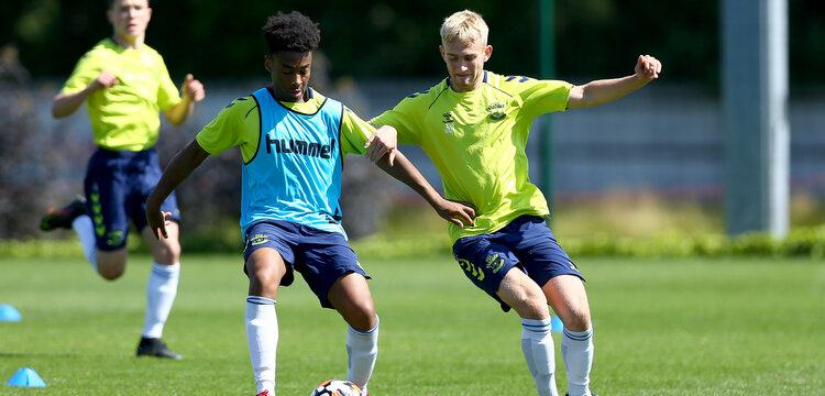 SOUTHAMPTON, ENGLAND - July 14: Fedel Ross-Lang(L) and Jeremiah Hewlett(R) during Southampton U18s per season training session at Staplewood training ground on July 14, 2021 in Southampton, England. (Photo by Isabelle Field/Southampton FC via Getty Images)